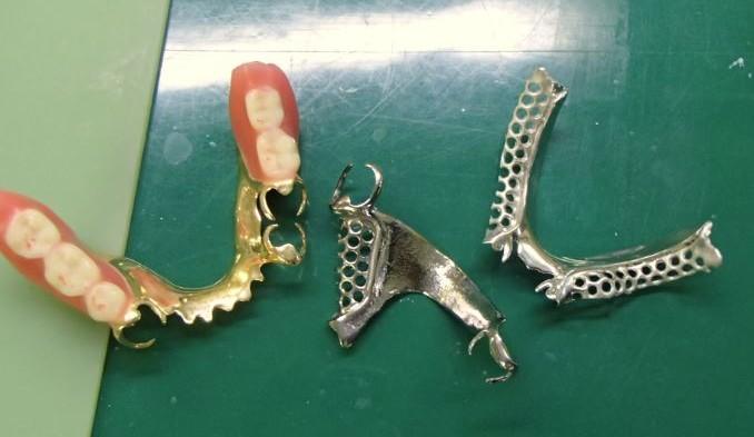 ◎3月の勉強会テーマは「入れ歯」 ~ 東久留米ひばりの森歯科